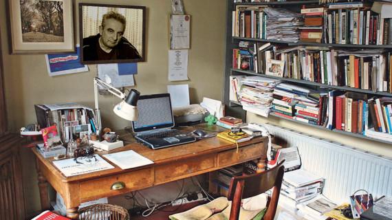 Aki írót keres, szerzőt talál