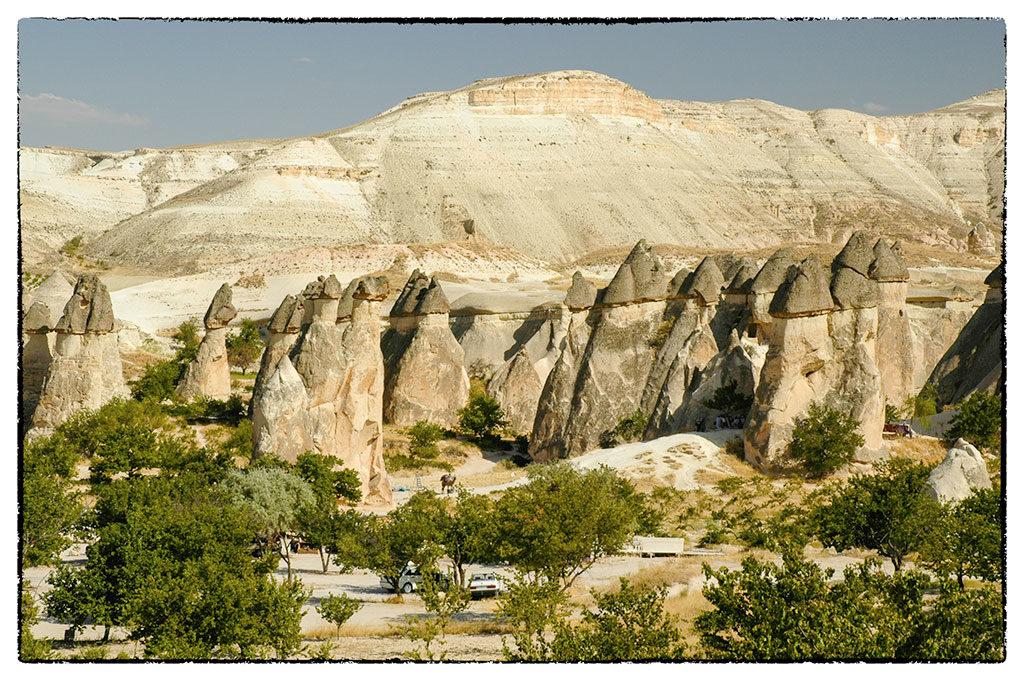 A gigantikus süvegekre emlékeztető homokkő sziklák látványával nem lehet betelni