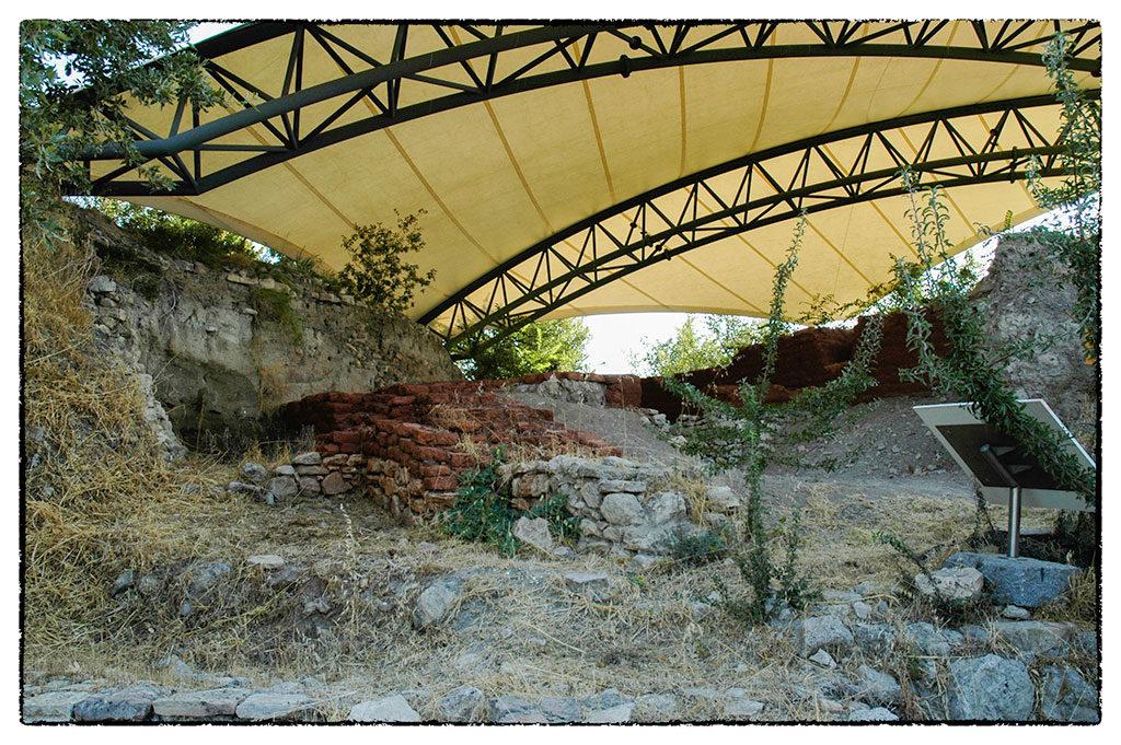 Ezek a romok körülbelül i.e. 1200-ból, vagyis az achájok idejéből valók.
