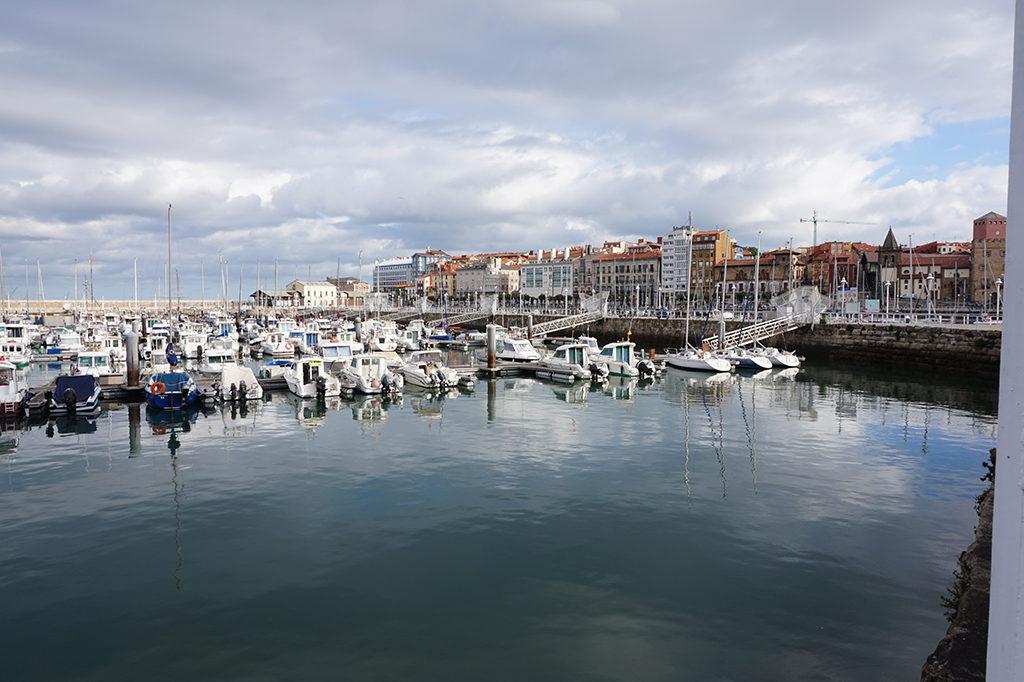 Gijón - látkép a kikötőből