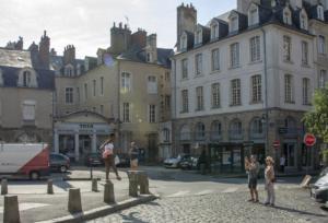 Turistafotó készül Rennes-ben